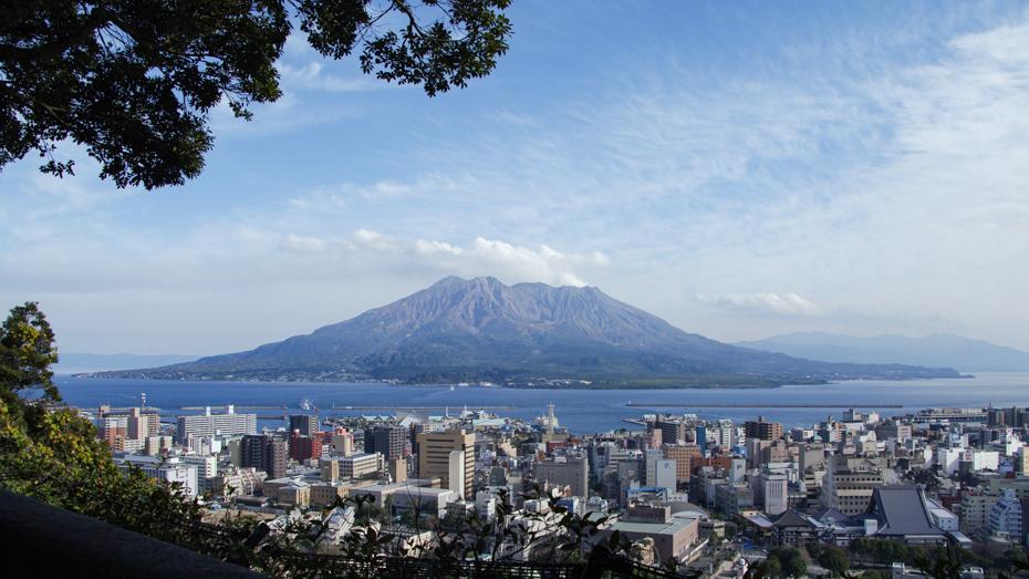 城山から望む桜島と鹿児島市街