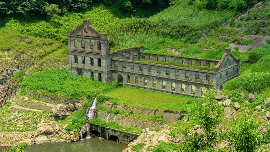 『天空の城ラピュタ』を彷彿とさせる「曾木発電所遺構」