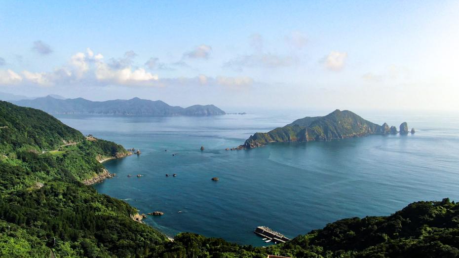 南さつま海道八景にも選定された笠沙から望む沖秋目島