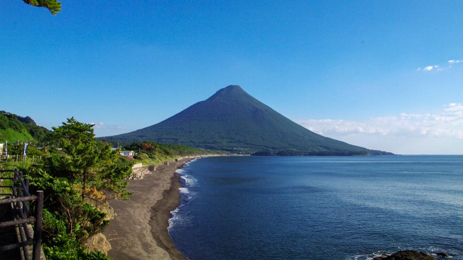 南薩のシンボル「さつま富士」とも称される九州百名山「開聞岳」
